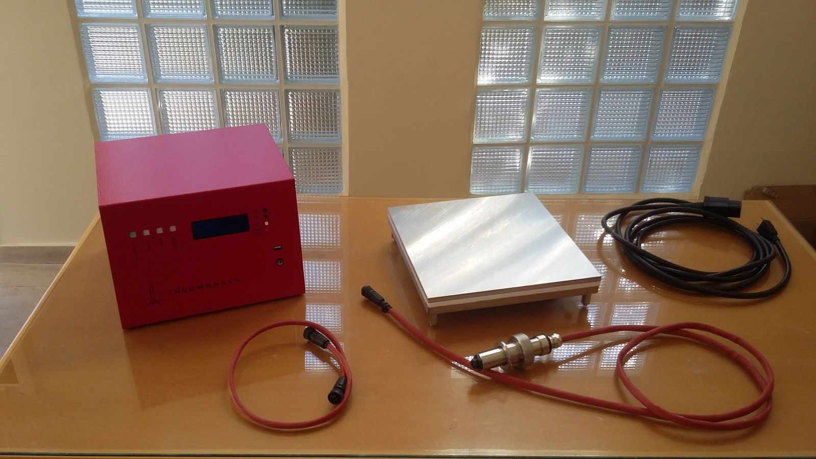 Compact Vacuum Hot Plates-Glove Box-Antechamber-Vacuum Applications